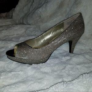 Bandolino Silver and Gold Metallic Shoes